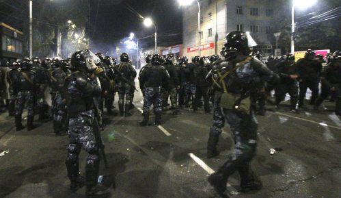Vlasti Kirgizije zabranile skupove i uvele policijski čas u Biškeku 5