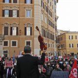 U Firenci okršaji između demonstranata i policije zbog novih mera oko korone 1