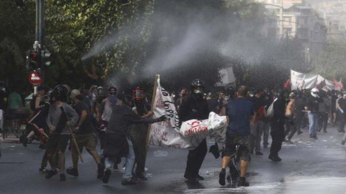 Grčka neonacistička partija Zlatna zora proglašena zločinačkom organizacijom 2