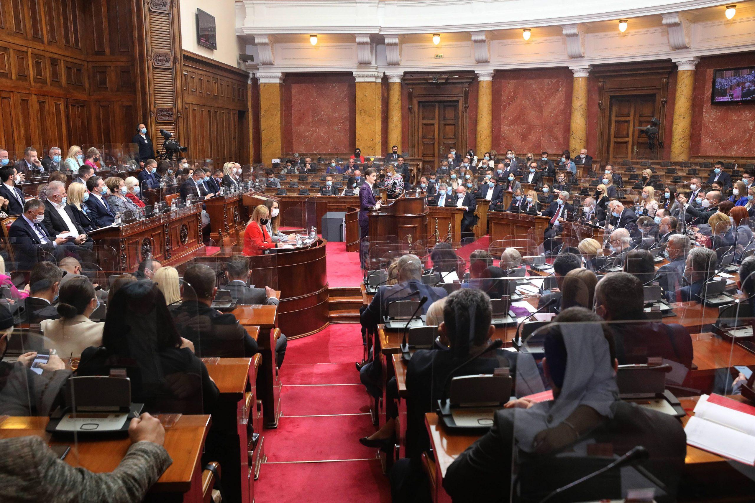 Poslanici Skupštine Srbije pola dana pričali o Danilu Vučiću i Draganu Đilasu 1