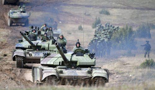 "Vojna vežba ""Sadejstvo 2020"" na Pešteru, 2.800 vojnika i više od 150 vojnih vozila 5"