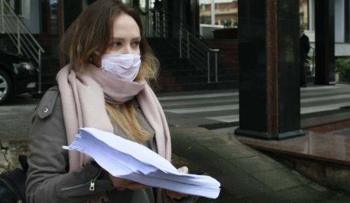 Studenti predali Šarčeviću 18.000 potpisa za smanjenje školarine 13