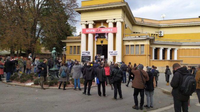 U Beogradu održan skup podrške autorima stripova pocepanih na izložbi 1