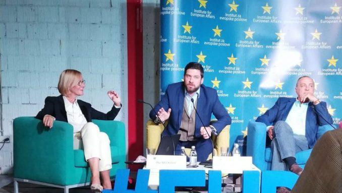 Srbija treba da se okrene ka Evropskoj Uniji 4