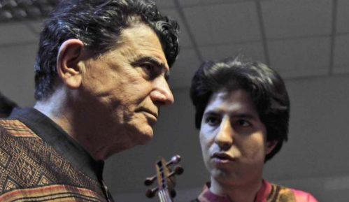 Umro poznati iranski pevač i kompozitor Muhamed Reza Šadžarijan 14