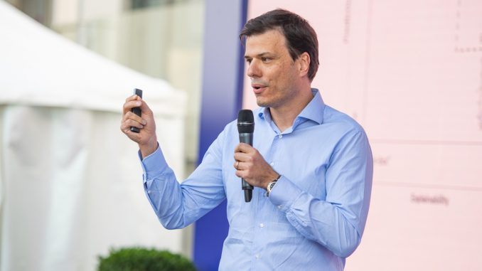 """Prof. Milan Nedeljković: Značaj obrazovanja u doba neizvesnosti, """"brze zarade"""" i orijentisanosti ka materijalnim vrednostima 1"""