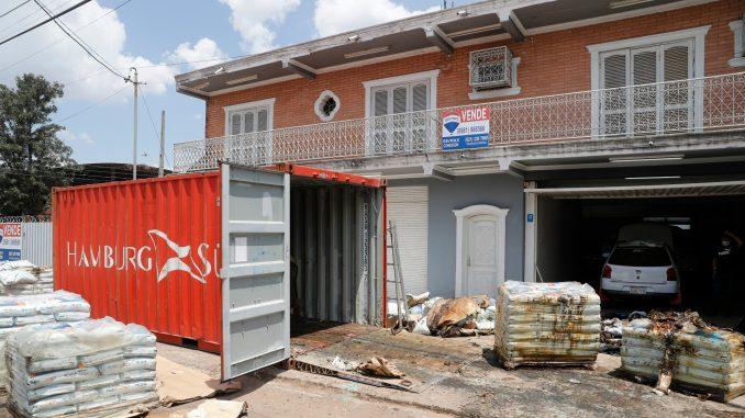 Sedam tela u pošiljci iz Srbije pronađeno u Paragvaju 1