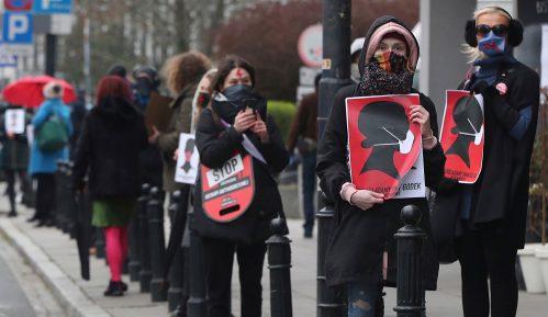Poljska gotovo u potpunosti zabranila abortus 12