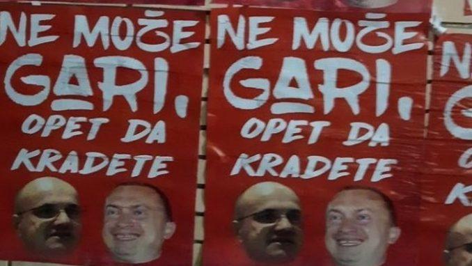 U Novom Sadu izlepljeni novi plakati protiv Novakovića i Pajtića (FOTO/VIDEO) 2