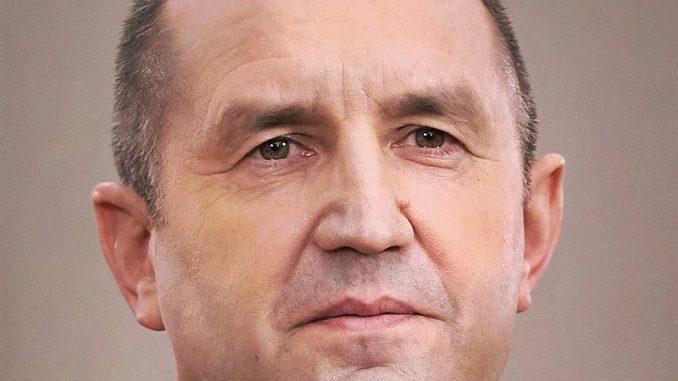 Radev skratio posetu Estoniji, otišao u samoizolaciju zbog kontakta sa zaraženim 1