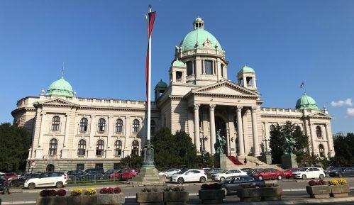 Simbolično okupljanje Romkinja ispred Skupštine na Dan žena 7