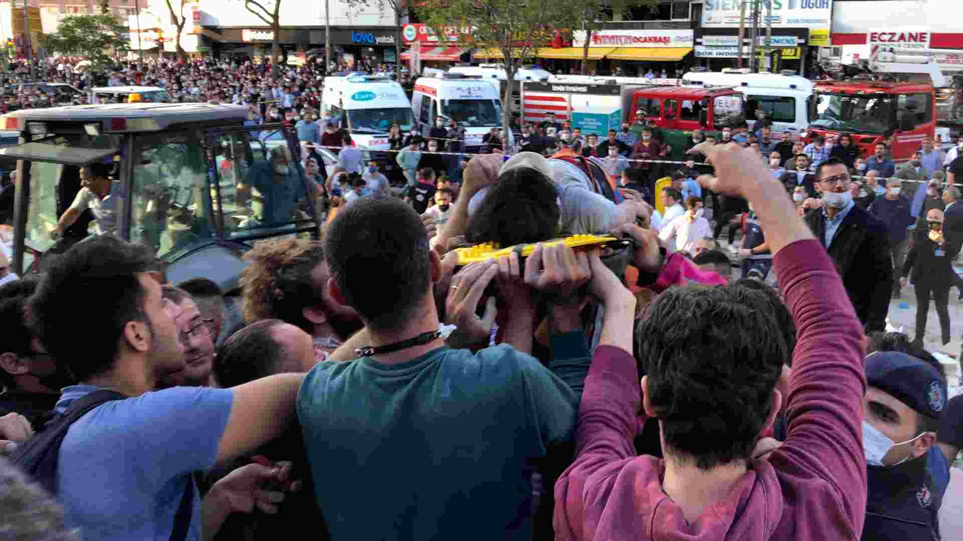 U zemljotresu u Turskoj najmanje 22 poginulih, blizu 800 povređenih 1