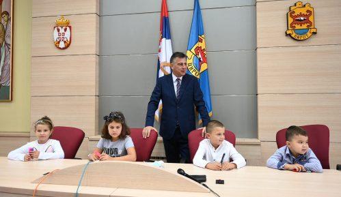 """Prijemom kod gradonačelnika počela """"Dečija nedelja"""" u Pirotu 15"""