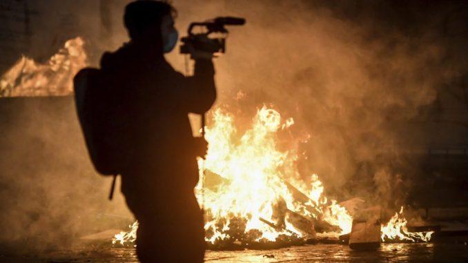 Incidenti tokom demonstracija protiv restrikcija u Italiji 1