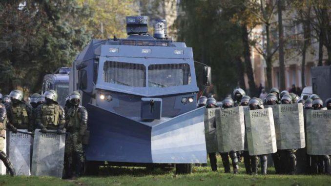 Više od 200 osoba uhapšeno na protestima u Belorusiji 4