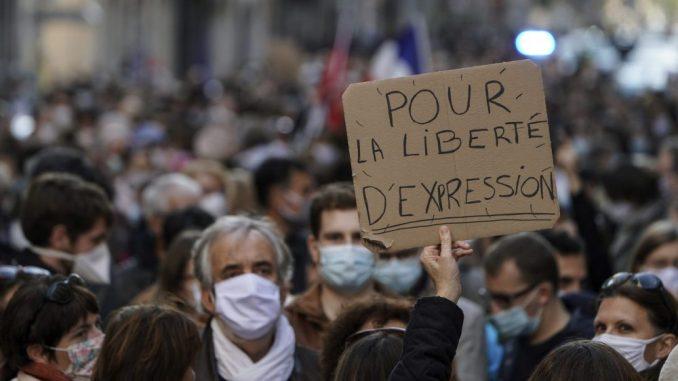 Ubijeni nastavnik proglašen za mučenika slobode izražavanja u Francuskoj 3