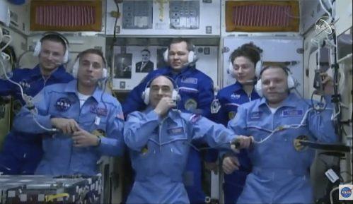Posle šest meseci u MSS astronauti se bezbedno vratili na Zemlju 2