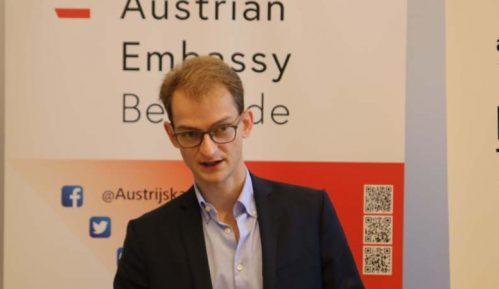 Ambasada Austrije u Beogradu: Oda Betovenu kroz svetlosne 3D instalacije 15