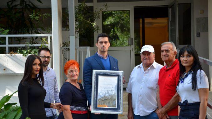 Ulaz zgrade u Luke Vojvodića 49 u Beogradu izabran za najlepši 4
