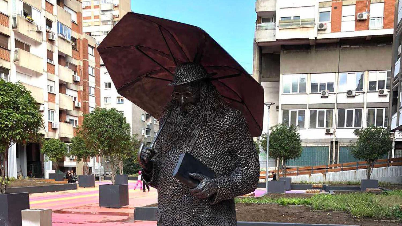 Spomenik Raši Popovu - veselo, agresivno, naivno i nebezbedno 1