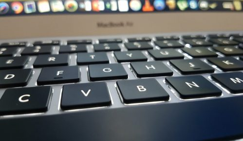 U Srbiji internet dnevno koristi 3,75 miliona ljudi 15
