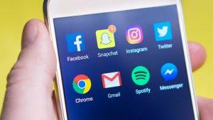 Više od 90 odsto mladih u Srbiji se informiše preko društvenih mreža i sajtova 10