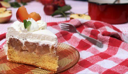 Recept nedelje: Prevrnuta torta sa jabukama 8