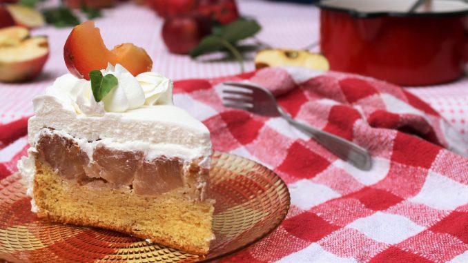 Recept nedelje: Prevrnuta torta sa jabukama 6