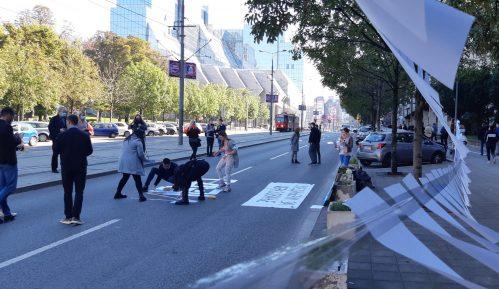 Jednočasovna blokada Nemanjine, studenti traže niže školarine (VIDEO) 13