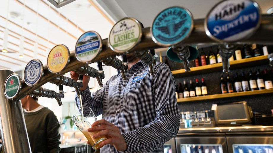 Tržište piva u Srbiji od marta palo 10 odsto, najviše stradale zanatske pivare (VIDEO) 2