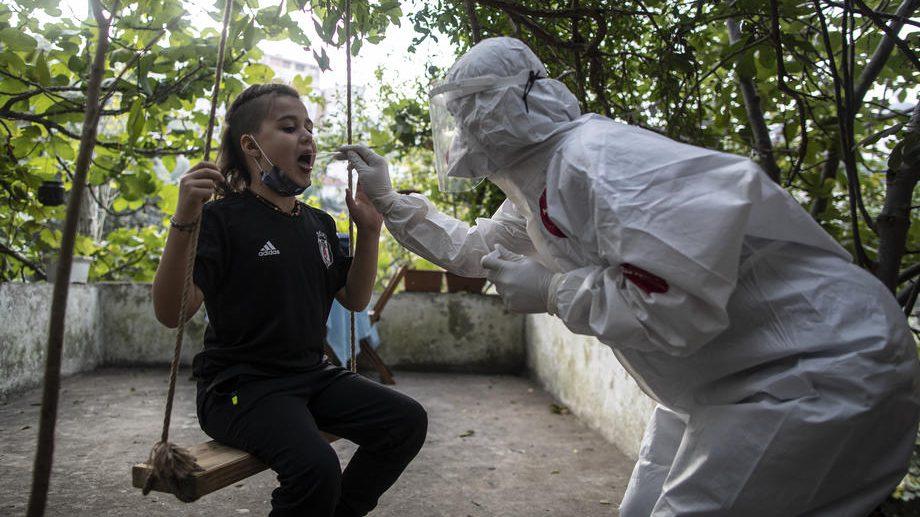 Bilans AFP: U svetu od korona virusa umrlo 1,7 miliona ljudi, zaraženo više od 80 miliona 1