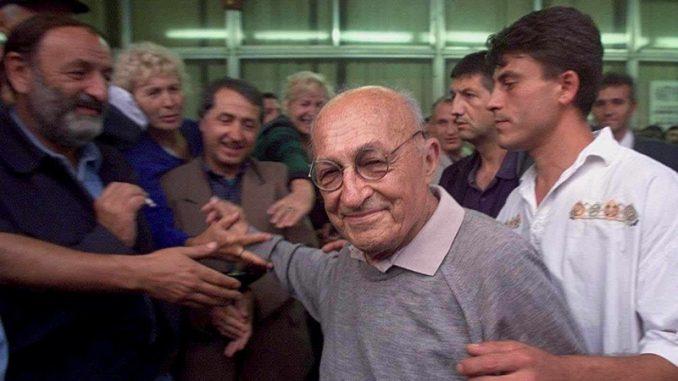 Deda Avram - jedan od simbola devedesetih 4