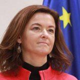 """Tanja Fajon: Nisam dala medijima """"non-pejper"""" Janeza Janše 9"""
