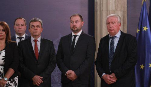 "Srpska lista čeka ""mig"" Vučića 5"