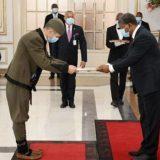 Ambasador u nošnji ideja preuzeta od bugarskih i afričkih diplomata 3