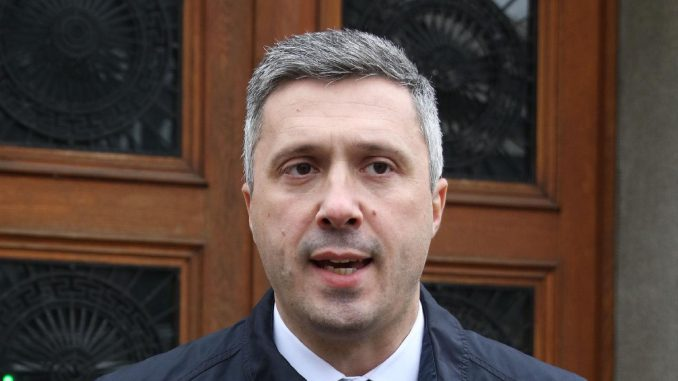 Dveri: Prvo ročište po tužbi Boška Obradovića protiv Vučića 2