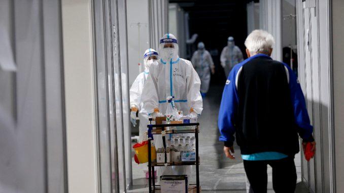 U KC Kragujevac smešteno oko 250 pacijenata, od kojih su 54 na intenzivnoj nezi 4