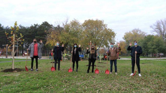 Volonteri i aktivisti Erazmus-a posadili na Ušću drvo prijateljstva 1