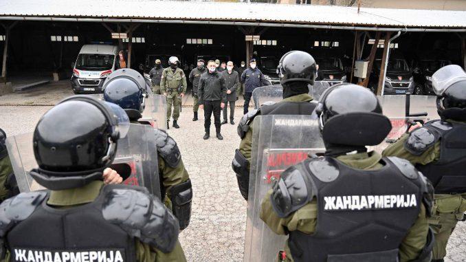 Pretnje Vučiću izgovor za apsolutni nadzor 3