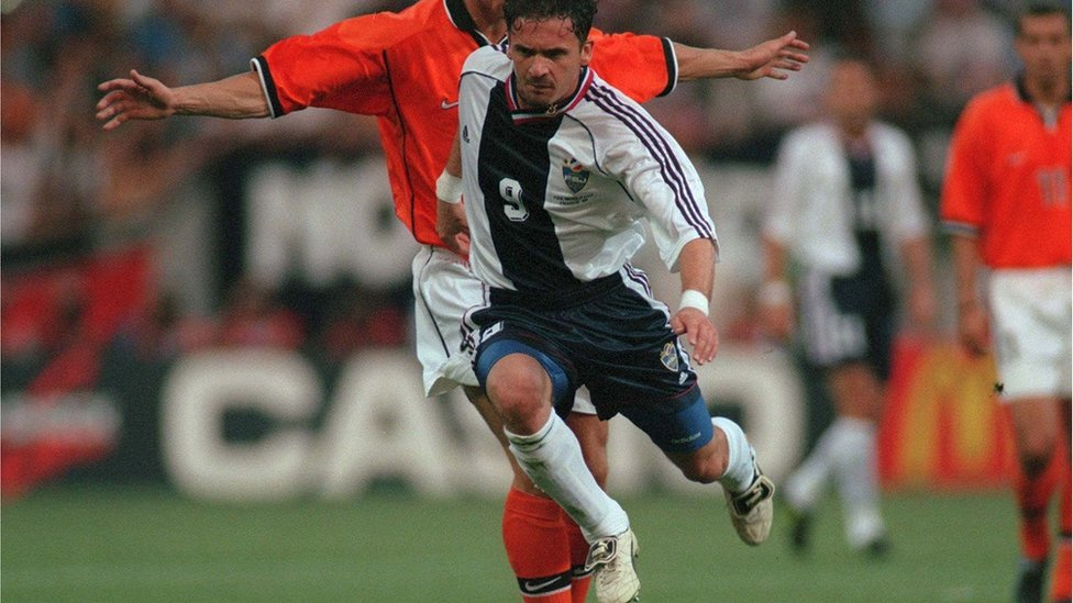 Mijatović na utakmici sa Holandijom u Tuluzu 1998.