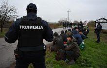 Vulin: Akcijom MUP-a oko 450 migranata vraćeno u kampove i prihvatne centre (FOTO) 11