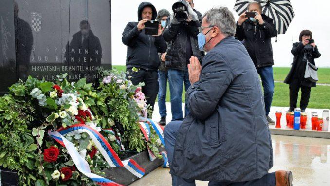 Vučić treba da se pokloni žrtvama ako želi pomirenje 1