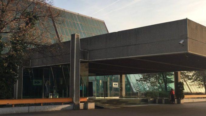 """Prodat Sava centar: Zašto je važno sačuvati """"staklenu palatu na obali Save"""" 2"""