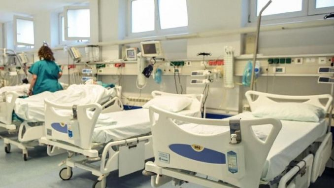 Korona virus: Pozivi na pooštravanje mera u Srbiji, u SAD preminulo četvrt miliona ljudi 3