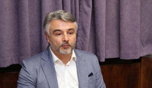 Glišić: Poziv Vučića Srbima da glasaju na izborima na Kosovu ispunjen frazama 12
