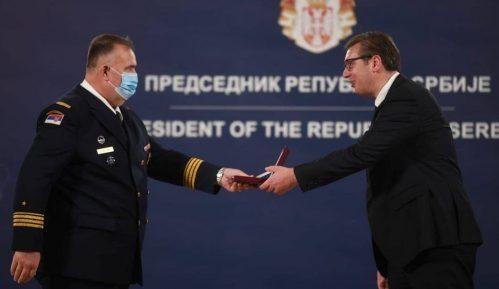 Vučić uručio medalje pripadnicima Ministarstva odbrane i Vojske Srbije 7