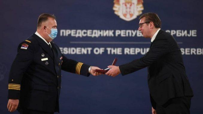 Vučić uručio medalje pripadnicima Ministarstva odbrane i Vojske Srbije 3