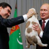 Predsednik Turkmenistana podigao zlatni spomenik psu 2