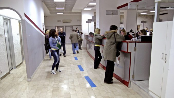 Pomoć od 60 evra otkrila 600.000 nezaposlenih 3