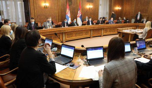 """Zastoj u izmenama Ustava vratio Srbiju među """"globalno nezadovoljavajuće"""" 2"""